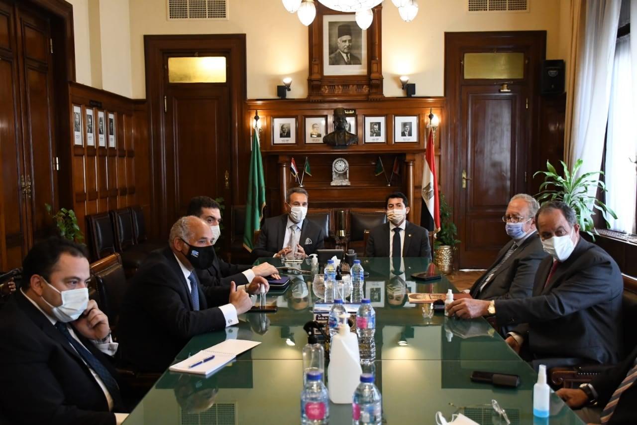 وزير الرياضة يشهد توقيع عقد رعاية بنك مصر والاتحاد المصري للتنس